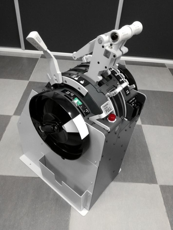 B737 NG Throttle quadrant